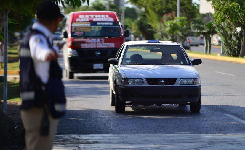 Cuatro taxis cuentan con denuncias ante la Fiscalía General del Estado. (Karim Moisés/SIPSE)