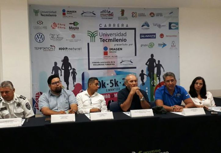 Presentaron el evento durante una rueda de prensa en las instalaciones universitarias. (Raúl Caballero/SIPSE)