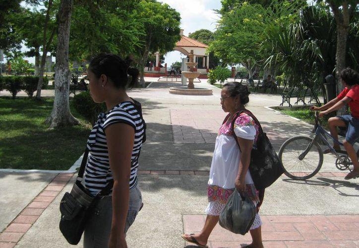 En Bacalar, dos mil 900 no saben leer ni escribir y cuatro mil 315 no terminaron su primaria. (Javier Ortiz/SIPSE)