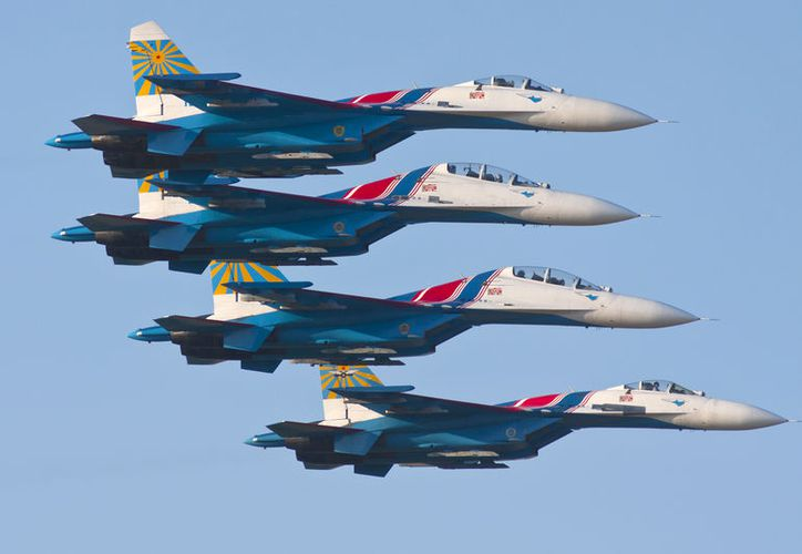 (Foto de Contexto: De Rob Schleiffert from Holland - Russian Knights, CC BY-SA 2.0, https://commons.wikimedia.org/w/index.php?curid=43527118)
