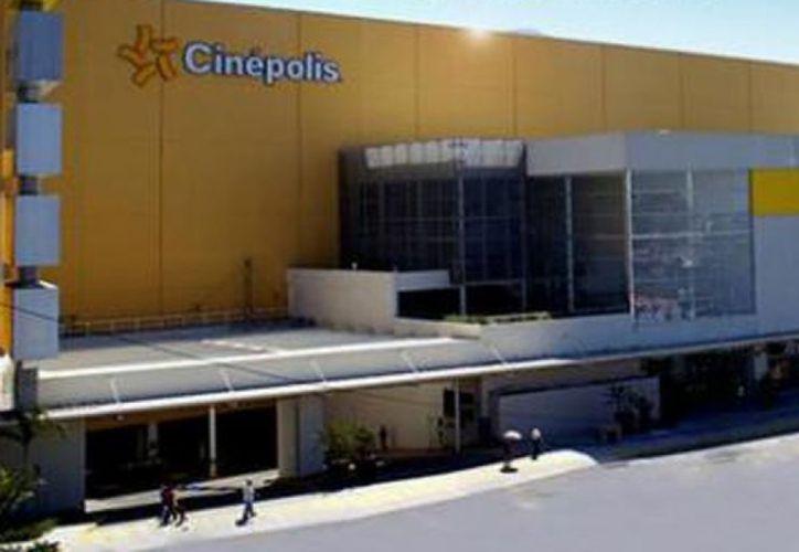 Dentro de una sala de cine de Iztapalapa fue baleado un menor el 2 de noviembre. (Archivo Notimex)
