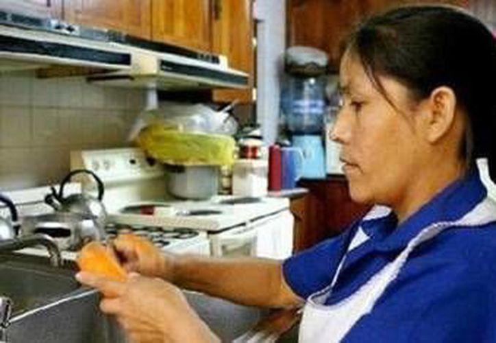 El trabajo domestico es uno de los peores remunerados en México. (SIPSE)