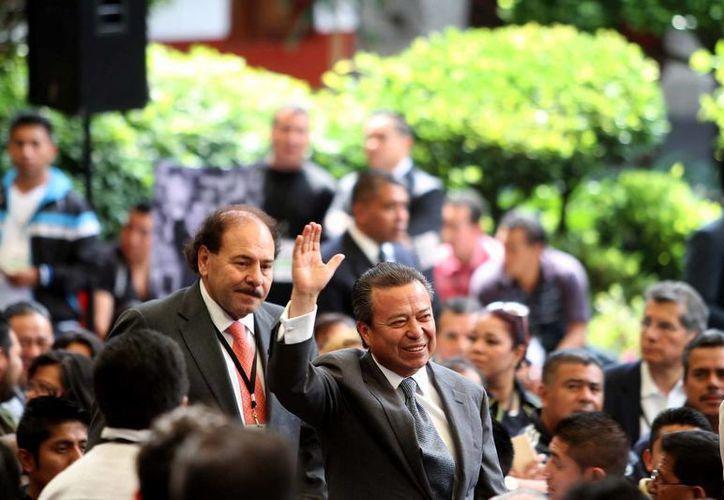 César Camacho viajó a Colima para expresar el apoyo del PRI al candidato por la alcaldía de esa ciudad.  (Archivo/Notimex)