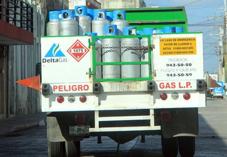 El cilindro de gas LP de 20 kilos ha registrado un aumento mensual promedio de casi nueve pesos en Mérida. (Foto: Milenio Novedades)