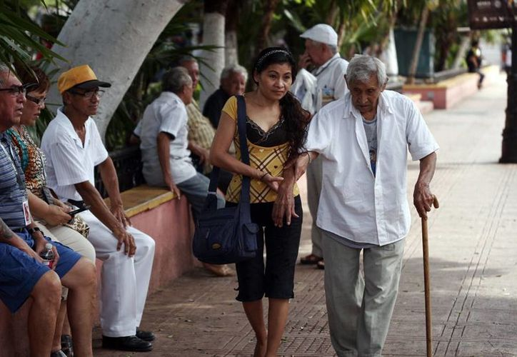 Se calcula que en 2050, el número de ancianos en México superará la cifra de 30 millones. (Milenio Novedades)