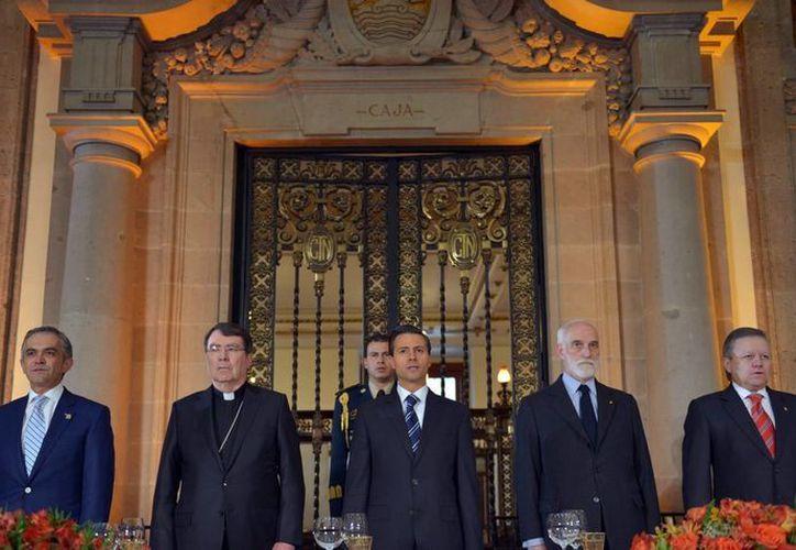 Peña Nieto agradeció la solidaridad de la comunidad internacional por la desaparición de los 43 normalistas de Ayotzinapa. (Notimex)