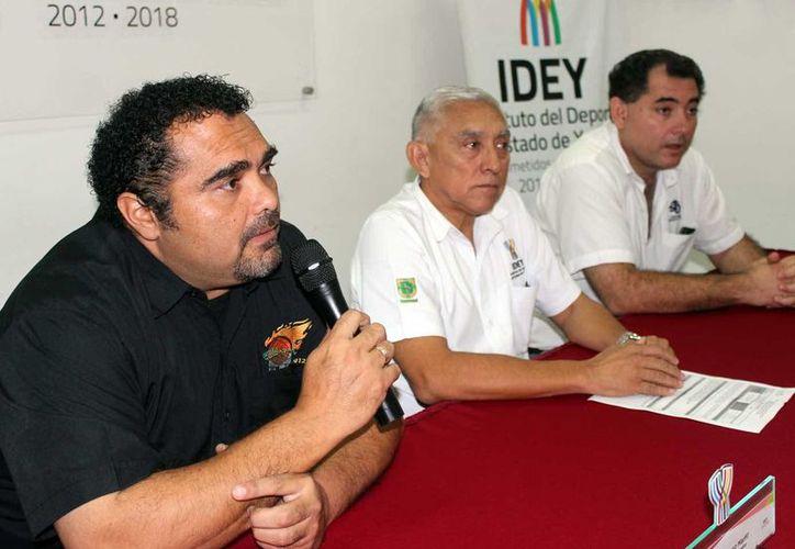 Este jueves fue presentada la Copa Yucatán de Básquetbol, la cual reunirá a 110 equipos que competirán en el Complejo Deportivo Kukulcán. (SIPSE)