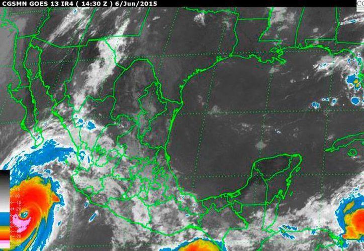 La amplia circulación que genera el huracán 'Blanca' en el Pacífico traerá lluvias y granizo en varios estado de las regiones sur y sureste de México. (Conagua)