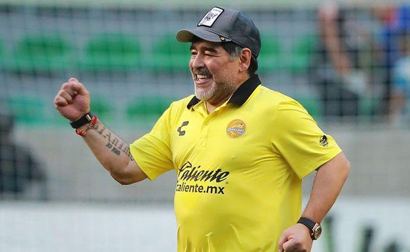Diego Armando Maradona declaró que le gustaría dirigir a la selección mexicana de fútbol. (Getty Images)