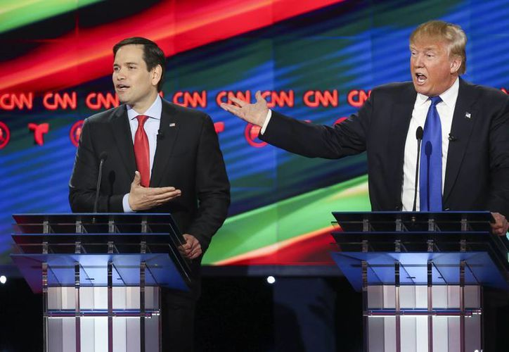 Los republicanos Marco Rubio y Donald Trump durante el debate de precandidatos en la Universidad de Houston. (Agencias)
