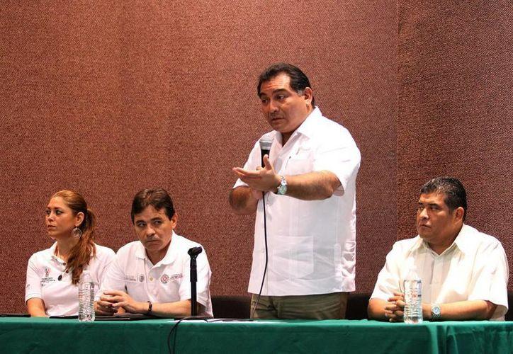 El Secretario de Gobierno, durante su intervención en la reunión con alcaldes. (Milenio Novedades)