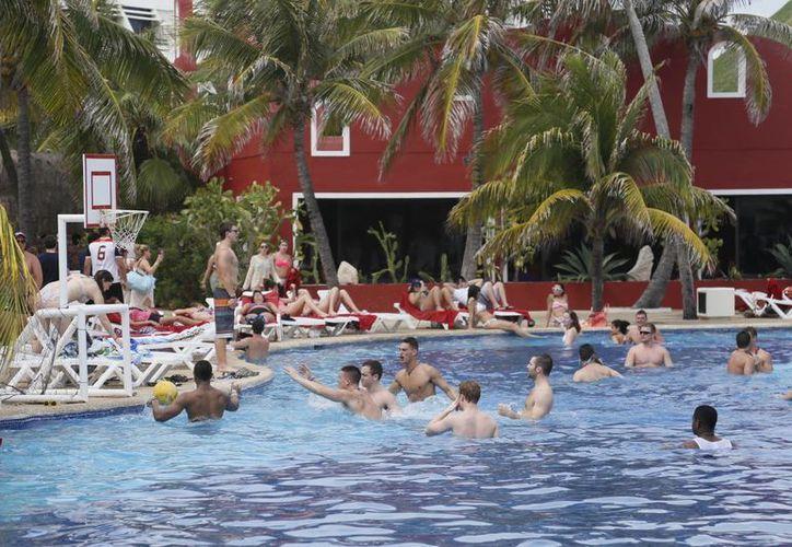 El promedio de estancia de los peruanos es de 14 días. (Israel Leal/SIPSE)