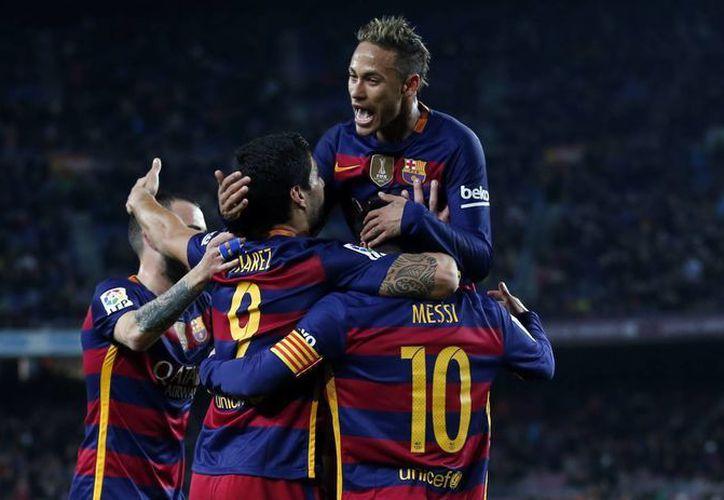 El Barcelona aplastó de manera contundente 7-0 al Valencia en la ida de las semifinales de la Copa del Rey. (AP)