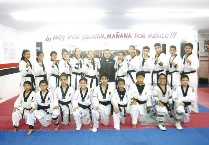 Con motivo del 25 aniversario de  Academias Lara se realizará una Copa de Tae kwan do. (Christian Ayala/Milenio Novedades)
