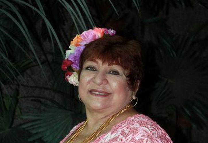 La actriz Narda Acevedo 'Chonita' presenta la obra La Pasadilla en el marco de la Muestra Estatal de Teatro 'Wilberto Cantón'.  (Milenio Novedades)