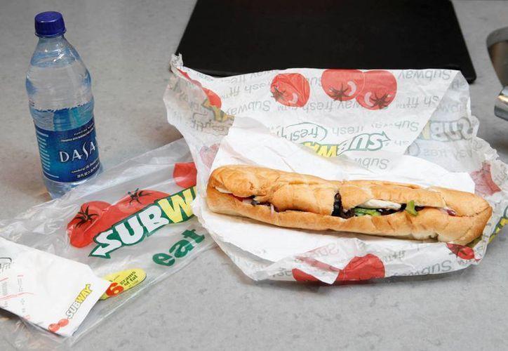 A pesar de presentarse como fresca, Subway no logra posicionarse entre los consumidores como una opción saludable. (AP)