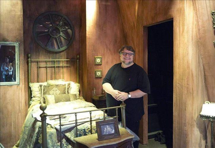 Guillermo del Toro estrenará en octubre próximo 'Crimson Peak', filme que además tendrá su versión real en el parque Universal Studios Hollywood. (EFE)