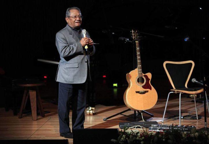 Con el concurso se pretende instituir un premio en honor a Armando Manzanero, el cual llevará el nombre del cantante y compositor yucateco. (Archivo/Notimex)