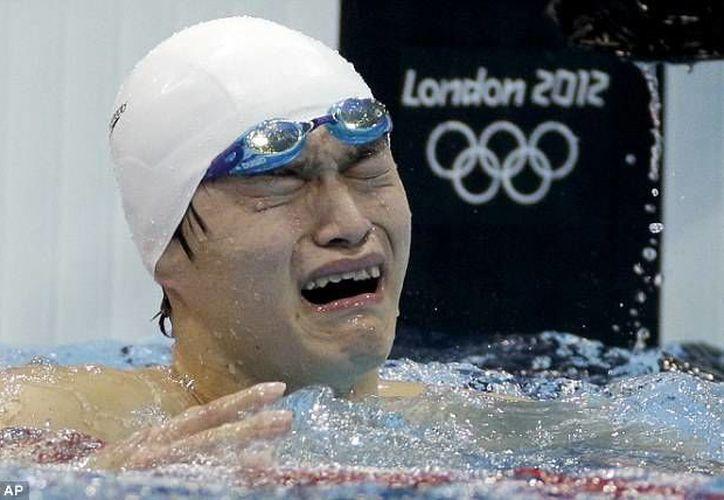 Sun Yang, ganador de dos oros en las Olimpiadas de Londres, fue suspendido tres meses en mayo por dopaje. (dailymail.co.uk/Foto de archivo)