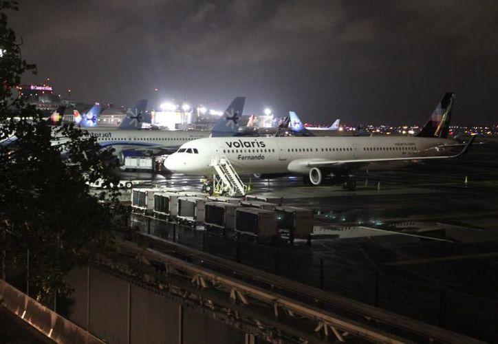 Informa el Aeropuerto Internacional del Ciudad de México que los vuelos han sido suspendidos por las condiciones de clima. (Contexto/Internet)
