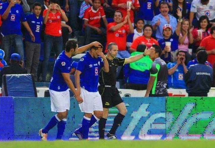 Cruz Azul suma ocho victorias en fila y se acerca al récord de más partidos ganados por un club en la historia del Futbol Mexicano de Primera División. (futboltotal.com.mx)