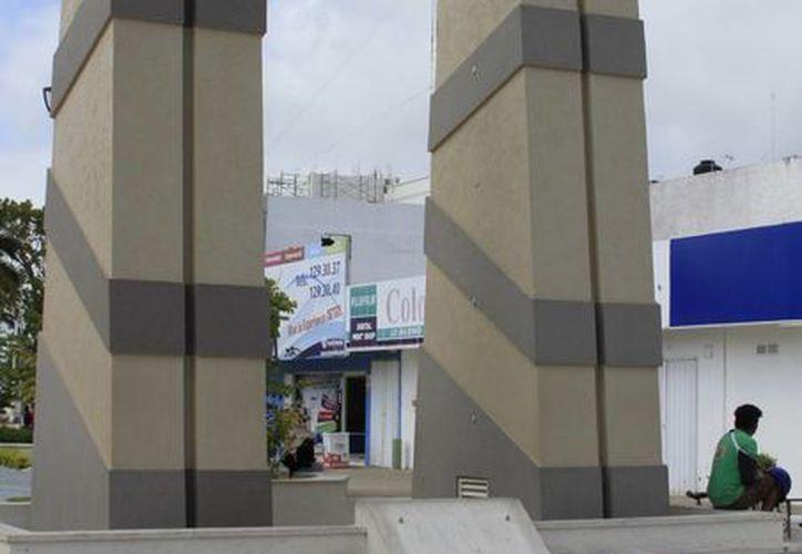La placa ahora está en las oficinas de la Sintra y no levantarán denuncia por no haberse extraviado. (Ángel Castilla/SIPSE)