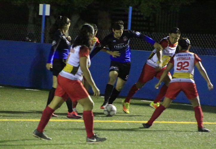 La primera semifinal se disputará, mañana, a las 20 horas entre Yarifos y Cabrea MX, y a las 23 horas Ántrax MX y Tunes Squad. (Miguel Maldonado/SIPSE)