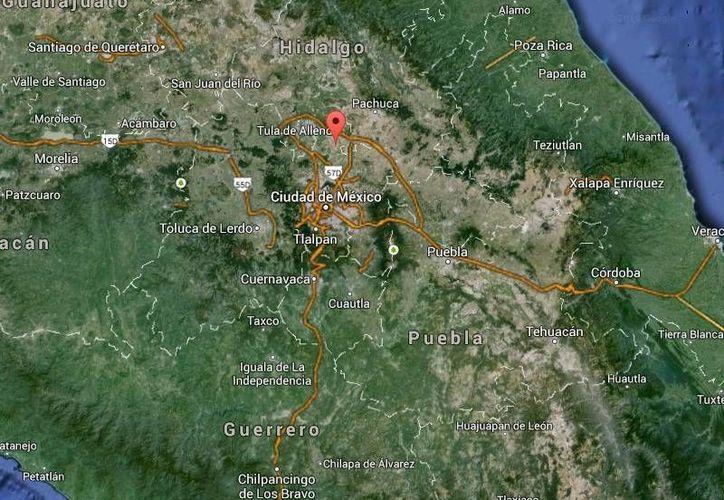 Además de retener a los policías, varios habitantes enardecidos de Jilotzingo quemaron dos patrullas oficiales. (Google Maps)
