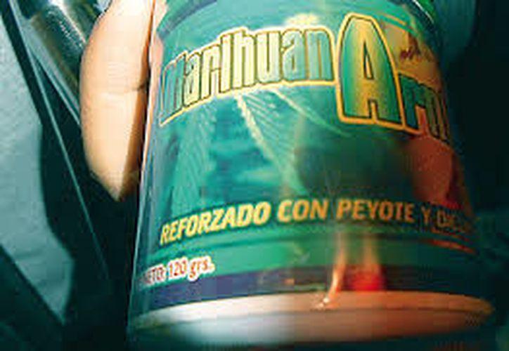 Los frascos fueron confiscados debido a que no podían constatar las bondades que ofrecían en las etiquetas. (El Sol de México)