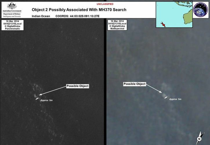 Imágenes de satélite proporcionada por el Departamento de Defensa de Australia, donde se ve un objeto flotante en el mar. (Agencias)