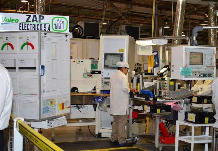 El sector manufacturero genera miles de empleos en la entidad. (Milenio Novedades)