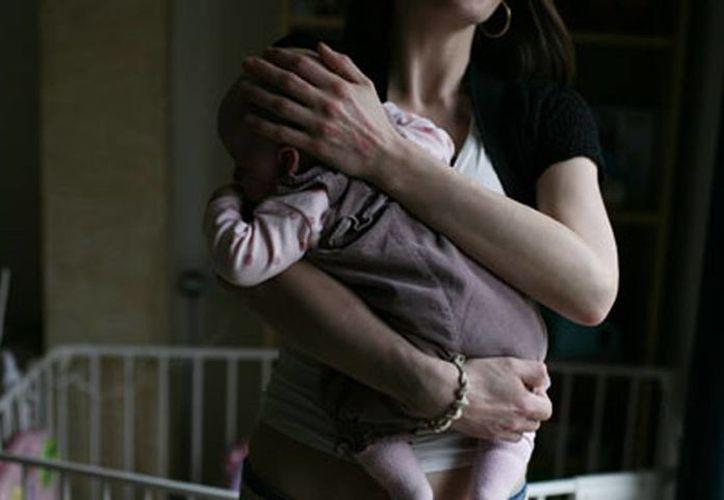 Las autoridades registraron un caso donde a una misma mujer le fueron quitados 15 hijos, todos por negligencias. (theguardian.com)