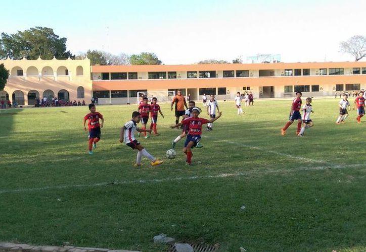 Continúa la actividad futbolística del torneo en los diferentes campos asignados para la competición.(Milenio Novedades)