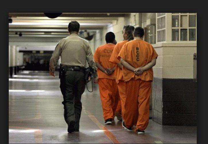 Los oficiales aseguraron que la práctica usada para controlar a los prisioneros durante disturbios o casos de emergencia ha sido eliminada. (revistalaocaloca.com)