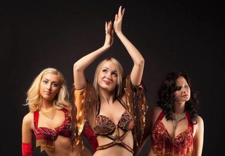 Bailarinas de 13 delegaciones provenientes de Latinoamérica, Europa y Asia, se presentarán al Mundial de Danza Árabe en Cancún. (Foto/Internet)
