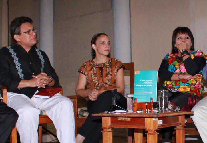 La obra obtuvo el premio Nezahualcóyotl de literatura en lenguas mexicanas 2014. (Jorge Acosta/SIPSE)