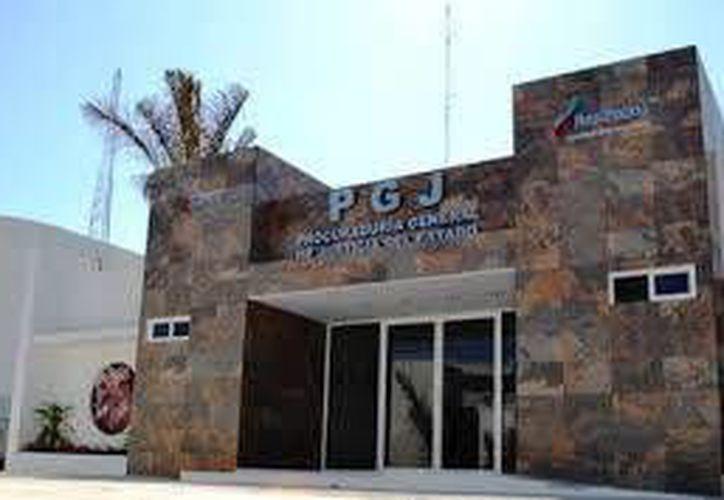 El detenido quedó a disposición de las autoridades ministeriales por el delito de cohecho. (Redacción/SIPSE)