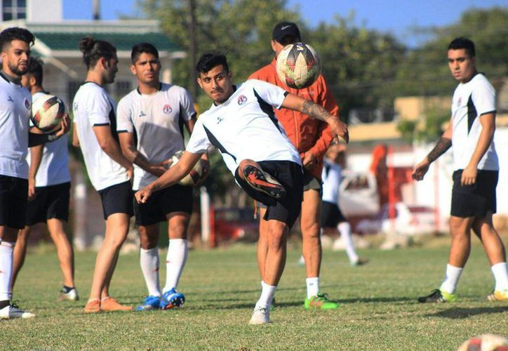 El conjunto cancunense se prepara para enfrentar a Jaguares. (Raúl Caballero/SIPSE)