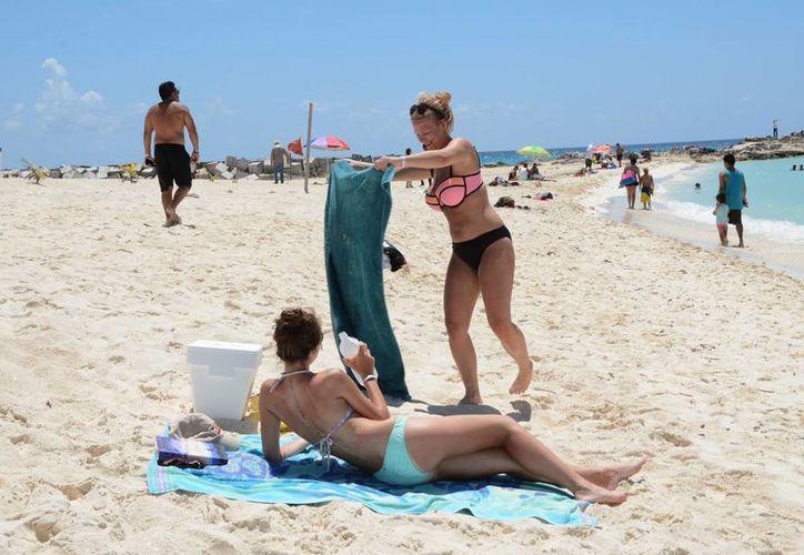 La edad del turismo británico que muestra interés por conocer el Caribe mexicano es de 20 a 44 años. (Victoria González/SIPSE)