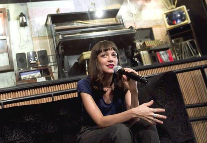 La artista mencionó que su más reciente disco va viento en popa. (Archivo/Notimex)