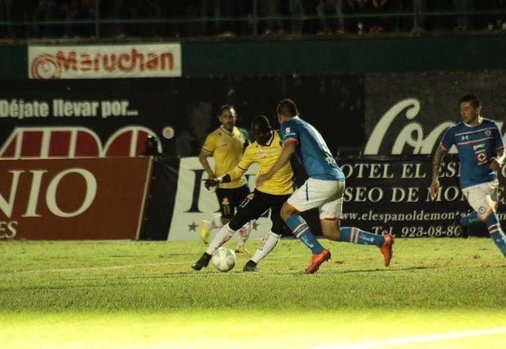 Cruz Azul, como local, tratará este martes en partido de fase de grupos de la Copa MX, de tomar revancha ante Venados de Yucatán, que ganaron 2-1 a los cementeros hace unos días. (SIPSE)