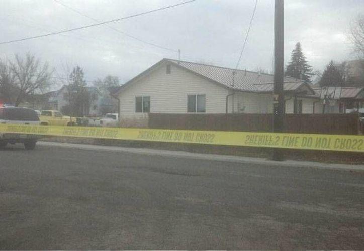 Al menos 4 personas murieron cuando una mujer abrió fuego durante una reunión de una oficina indígena (foto), en Alturas California. Dos personas heridas fueron trasladas al hospital. (krcrtv.com)