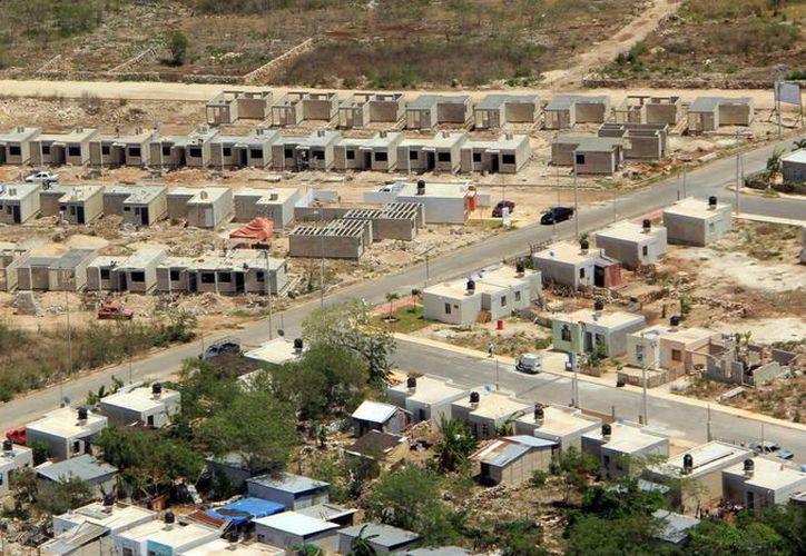 El Gobierno del Estado pretende reactivar la construcción de viviendas en Yucatán, ya que en promedio se necesitan 10 mil viviendas al año en esta entidad. (Archivo SIPSE)