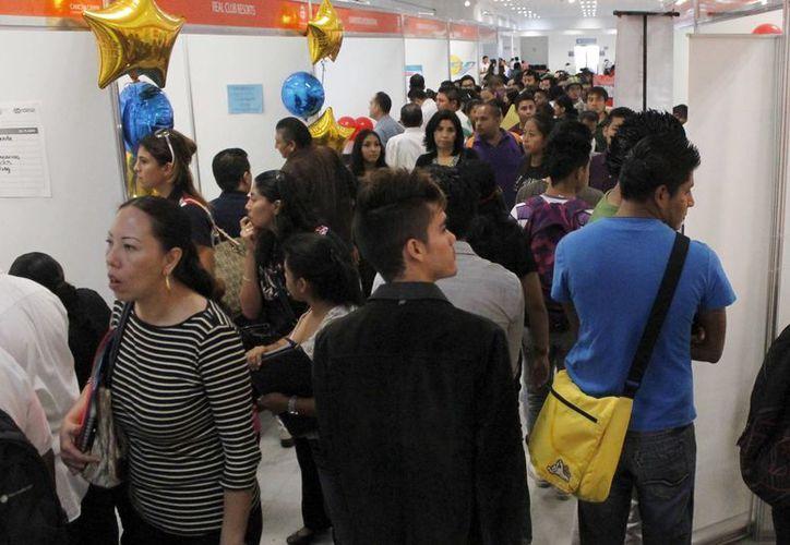 La Cuarta Jornada Estatal por el Empleo se llevó a cabo ayer en el Cancún Center. (Jesús Tijerina/SIPSE)