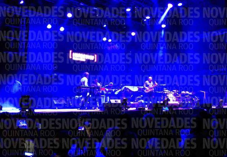El escenario de las presentaciones de las bandas está ubicado en Playa Mamitas. (Adrián Barreto/SIPSE)