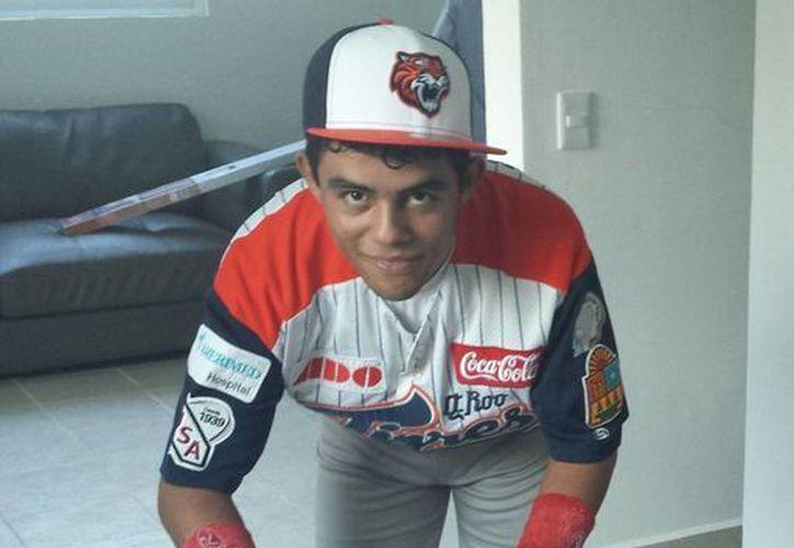 El joven posee un buen brazo y gran velocidad en el campo. (Ángel Mazariego/SIPSE)