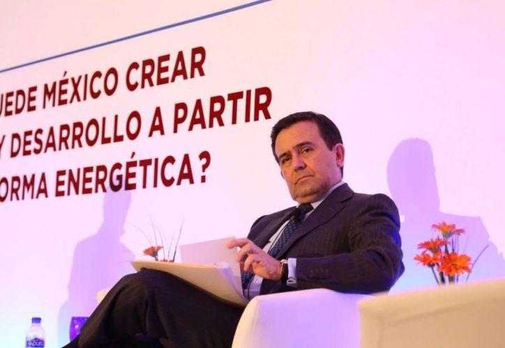 El secretario de Economía, Ildefonso Guajardo Villarreal, ejemplificó las reformas estructurales implementadas en México como acciones concretas para fortalecer la competitividad del país. (Archivo/Notimex)
