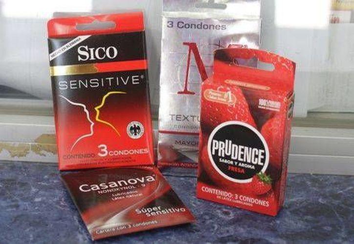 Las preparatorias y universidades estatales en Coahuila tienen hasta el día último de este mes para cumplir con la obligación de instalar máquinas expendedoras de condones. (Milenio)