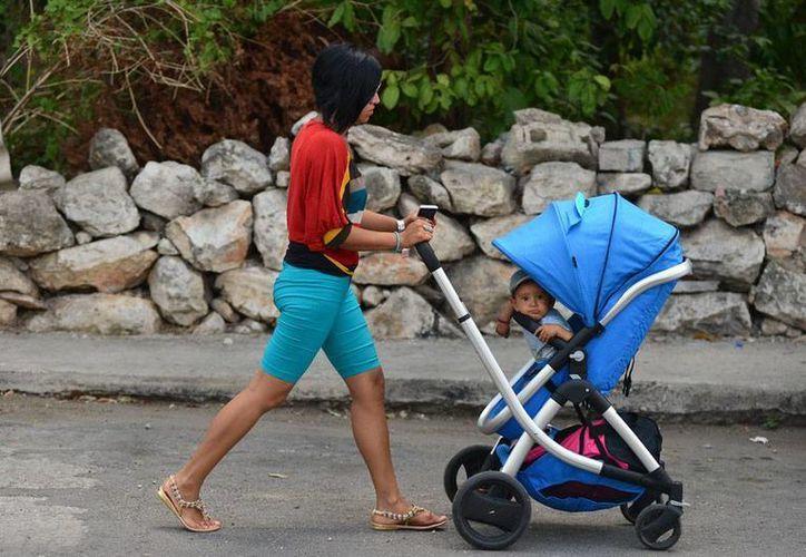 Las mujeres cada vez espera más años para ser madres, pero se olvidan -según los especialistas- que la infertilidad es mayor después de los 30 años. (Luis Pérez/SIPSE)