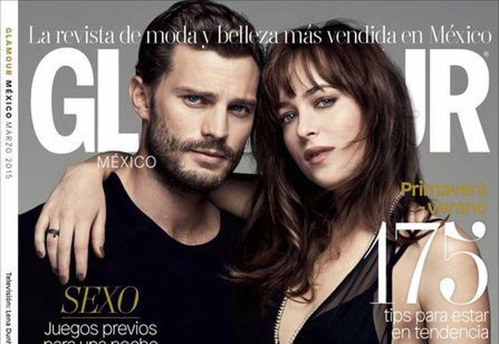 Jamie Dornan y Dakota Johnson, protagonistas de '50 shades of Grey', hacen historia en la revista Glamour. (Foto: AP)